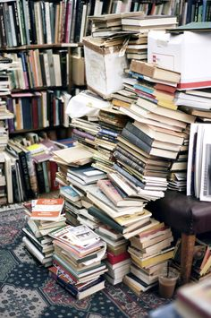6e4f7677250737e938eee9d6433705c3--craft-rooms-read-books
